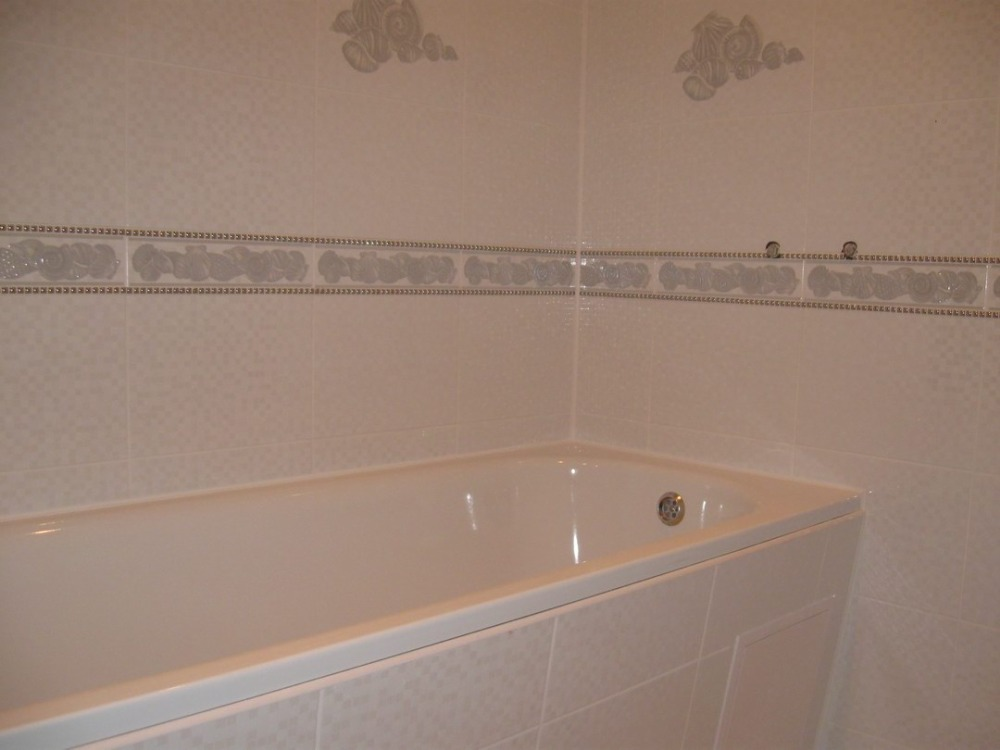 стыковка кафеля с ванной